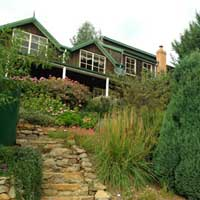 "<a href=""https://derwentvalleytasmania.org.au/stay/swallows-nest-guesthouse/"">Swallows Nest Hop Kiln Guest House</a>"